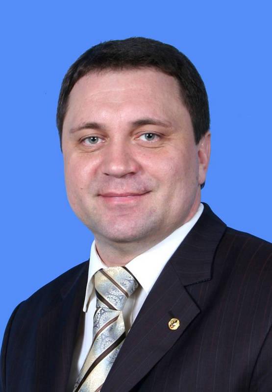 Власов Иван Васильевич – генеральный директор ОАО «Кораблинохлебопродукт»